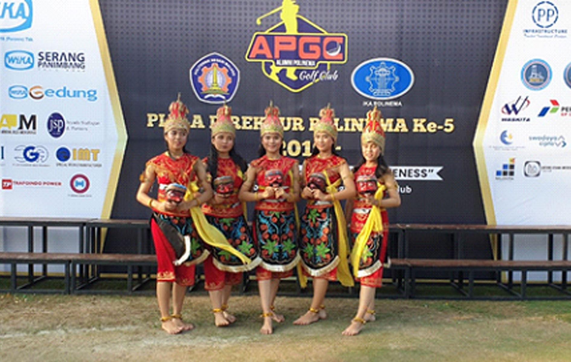 Sanggar Gandes Pamantes bawakan Tari Bapang di Turnamen Golf POLINEMA CUP V